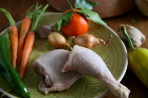 Tagine mit Huhn, Karotten, Fenchel, Kartoffeln, Paprika